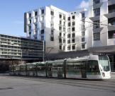 Immeuble pont et tramway T3